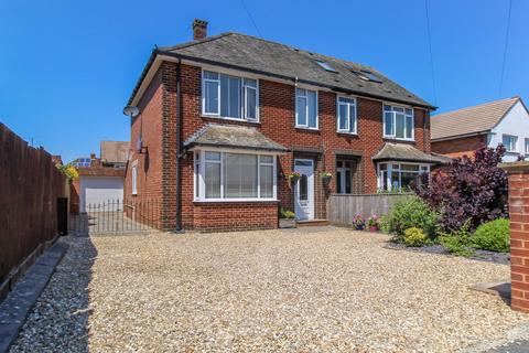 3 bedroom semi-detached house - Grenville Avenue, Exeter