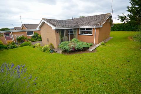 3 bedroom detached bungalow for sale - Twickenham Glen, Halfway, Sheffield, S20