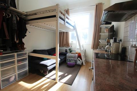 Studio to rent - Millbrook Place, Mornington Crescent, NW1