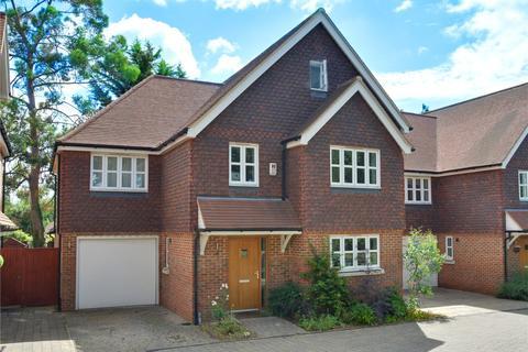 5 bedroom detached house - Blackbrook Lane, Bromley, BR1