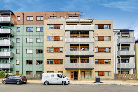 2 bedroom flat for sale - Steward House, 8 Trevithick Way, London, E3