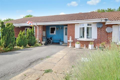 2 bedroom bungalow for sale - Belsay, Toothill, Swindon, SN5