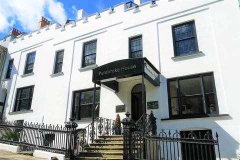 1 bedroom flat to rent - Pembrokes House