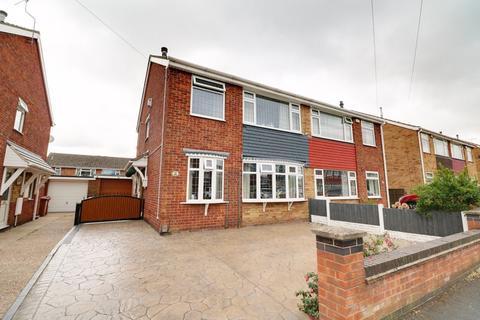 3 bedroom semi-detached house for sale - York Avenue, Bottesford