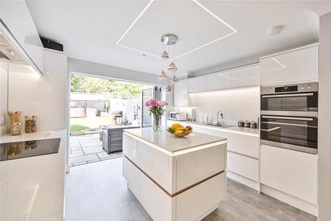 3 bedroom terraced house for sale - Alderney Way, Kennington, Ashford, Kent, TN24