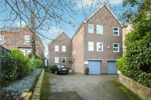 2 bedroom apartment to rent - Burnham Court, Ashley Road, Altrincham