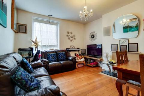 2 bedroom flat for sale - Bromley High Street, London E3