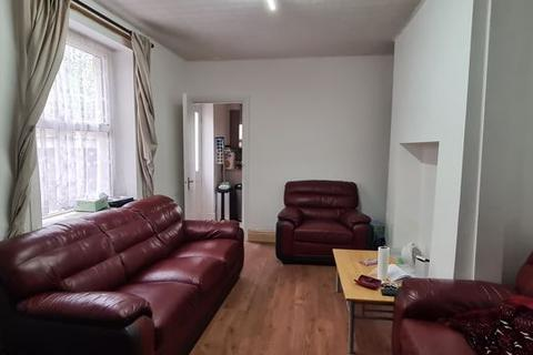 4 bedroom terraced house to rent - Stacey Road, Cardiff