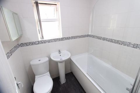 3 bedroom terraced house to rent - Cowper Road, Liverpool
