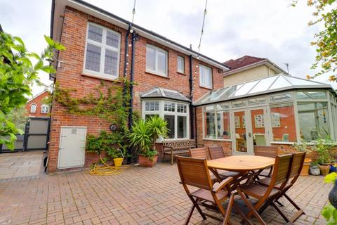 4 bedroom detached house for sale - Parkstone Road, Poole