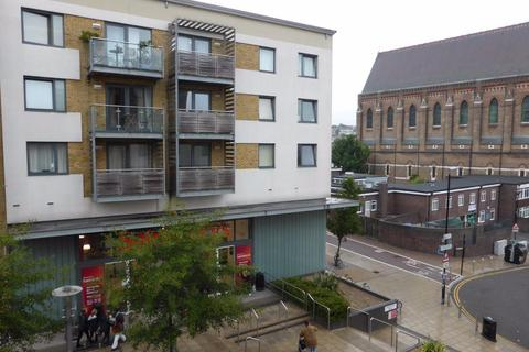 3 bedroom flat to rent - Blackmore Court - P1408
