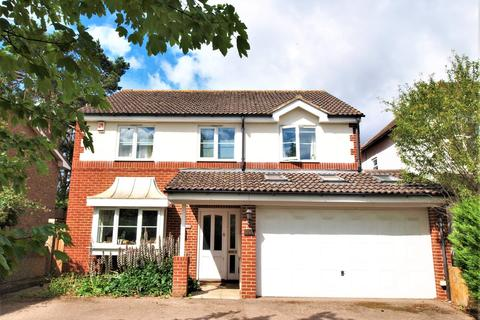 4 bedroom detached house for sale - Orchard Avenue, Shirley, CR0