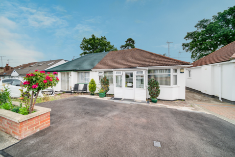 2 bedroom semi-detached bungalow for sale - Compton Place, Watford, WD19