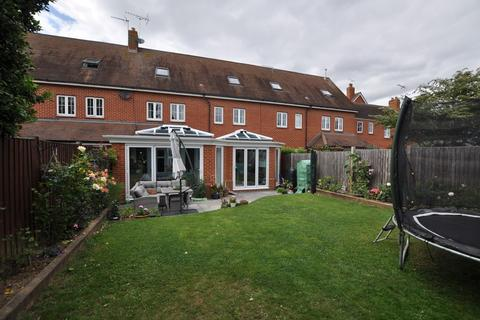 4 bedroom townhouse for sale - Telford Place, Chelmsford, CM1