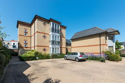 2 bedroom penthouse to rent - Ramsgate
