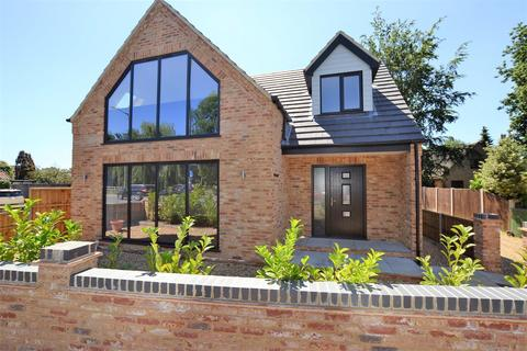 3 bedroom detached house for sale - Low Road, South Wootton
