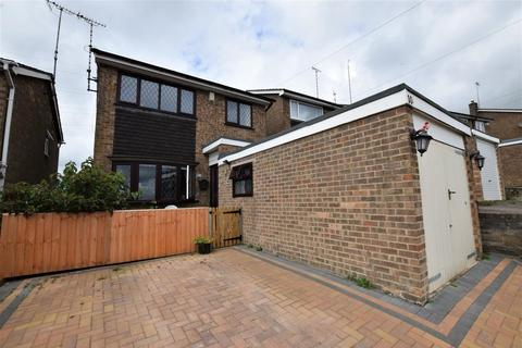 3 bedroom detached house for sale - Mendip Road, Oakham