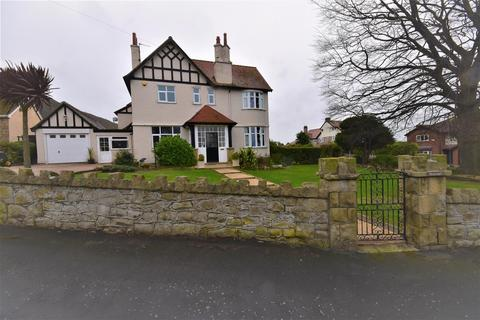 5 bedroom detached house for sale - The Avenue, Prestatyn