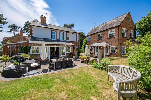 6 bedroom detached house - The Green, Ashorne, Ashorne, Warwick