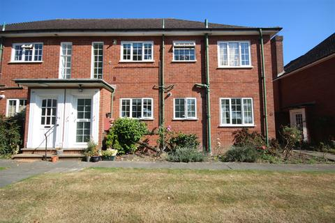 2 bedroom maisonette to rent - Belmont Close, Cockfosters EN4