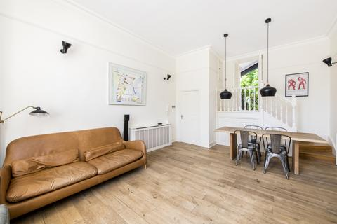 3 bedroom flat for sale - Adamson Road, London, NW3