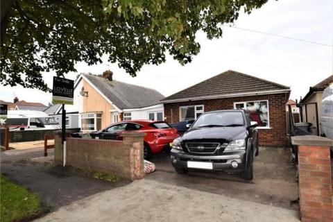 3 bedroom bungalow for sale - Waterloo Road, Mablethorpe, Lincolnshire, LN12 1JX