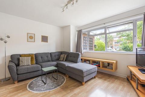 2 bedroom maisonette for sale - Courtlands Avenue, Lee