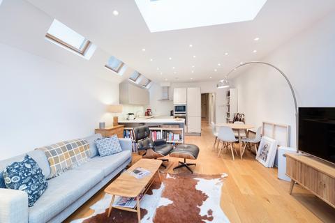 2 bedroom flat to rent - Harbledown Road, London