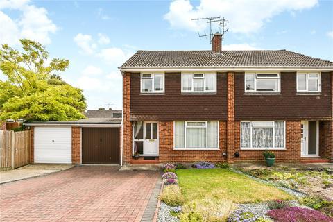 3 bedroom semi-detached house for sale - Greenfields Avenue, Alton, Hampshire