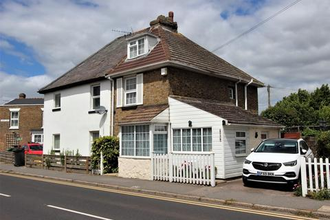3 bedroom semi-detached house for sale - London Road, Deal, CT14