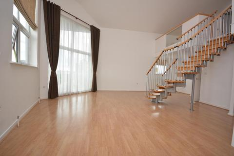 2 bedroom penthouse to rent - Wharf Road, Chelmsford, Essex, CM2