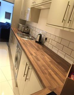5 bedroom house share to rent - Crescent Road, Middlesbrough, TS1 4QN