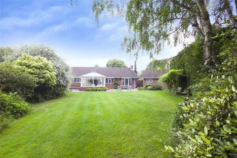 4 bedroom bungalow for sale - Newhurst Gardens, Warfield, Bracknell, Berkshire, RG42