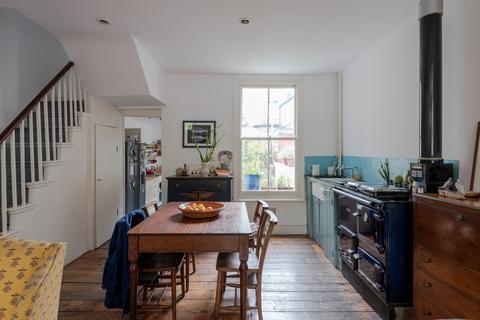 2 bedroom terraced house to rent - Elwin Street, London E2