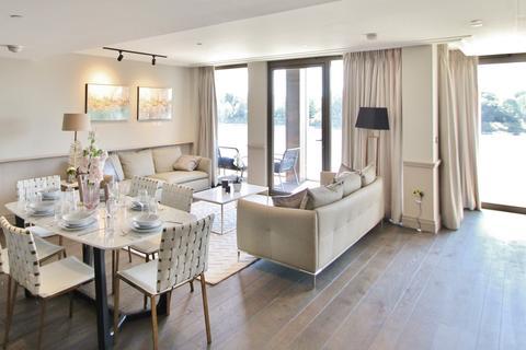 3 bedroom flat to rent - Queens Wharf, Crisp Road, Hammersmith, W6