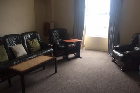3 bedroom apartment to rent - First Floor Front Flat Coedwig Woodlands Terrace Swansea