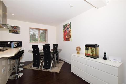 3 bedroom barn conversion for sale - Brighton Road, Lower Kingswood, Tadworth, Surrey