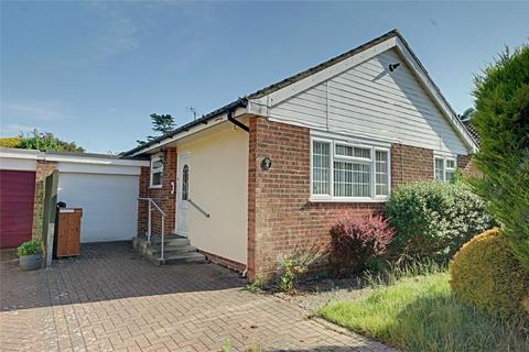 2 bedroom detached bungalow for sale - Gilbey Crescent, Stansted, Essex