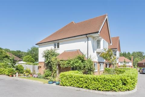 3 bedroom end of terrace house for sale - Fern Mead, Cranleigh, Surrey
