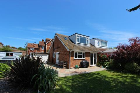 3 bedroom semi-detached bungalow for sale - The Grove, Deal