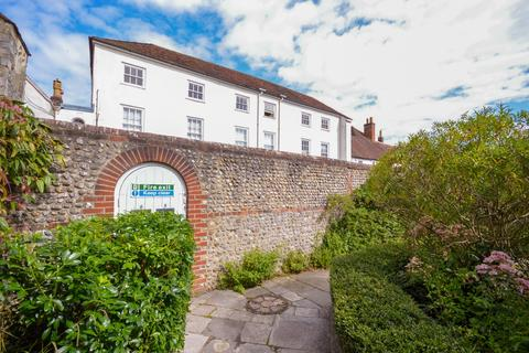 1 bedroom flat to rent - Vicars Close, Chichester, PO19