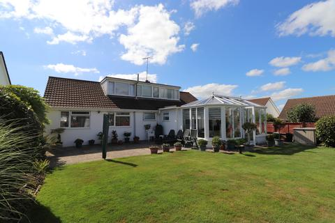 5 bedroom detached bungalow for sale - Mill View Road , Millbrook