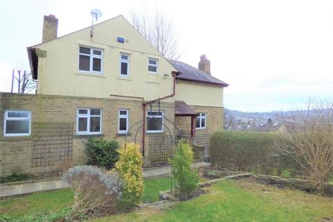 4 bedroom property to rent - St Aiden's, Baildon Road, Baildon, Shipley, West Yorkshire, BD17 6AQ