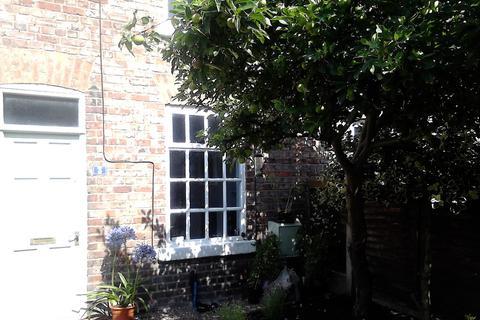 2 bedroom terraced house to rent - Redbridge Grove, Chorlton