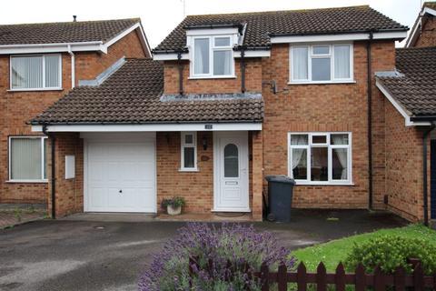 3 bedroom detached house to rent - Skylark Way, Gloucester, GL4