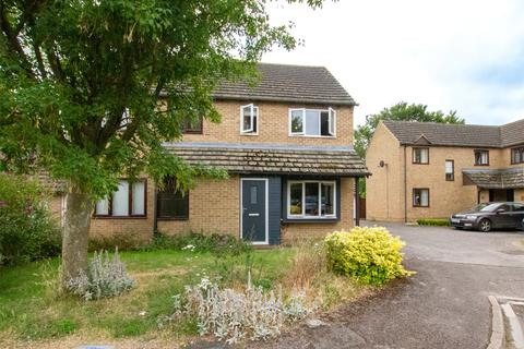 3 bedroom semi-detached house for sale - Talbot Fields, Bampton, Oxfordshire, OX18