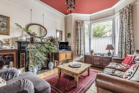 3 bedroom semi-detached house for sale - Westbury Road
