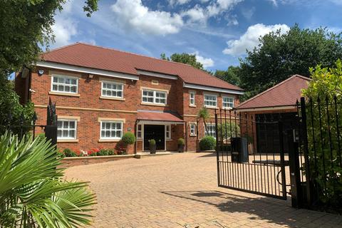 6 bedroom detached house for sale - Fulmer Drive, Gerrards Cross, Buckinghamshire