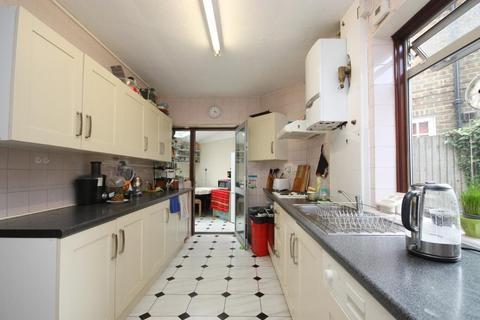 1 bedroom house share to rent - Steventon Road, Shepherds Bush, London, W12 0SU
