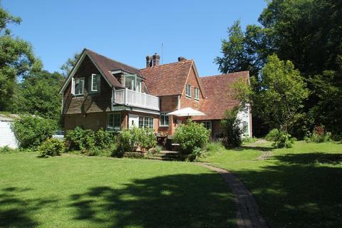 5 bedroom detached house to rent - Slip Mill Lane, Hawkhurst, Kent, TN18 5AB